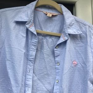 Brooks Brothers Size: 6 Button Down